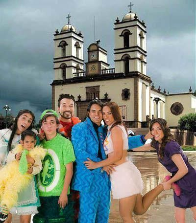 La Familia Peluche    Enter the radiant realm of La Familia Peluche, where characters ...