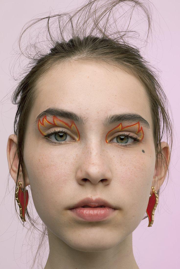 Orange flame eyeliner.