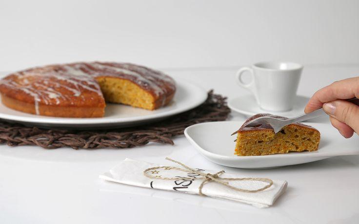 Die Kürbiszeit hat begonnen 🎃 Daher haben wir aus unserer Karottenkuchenbackmischung mal eben einen Kürbiskuchen gebacken ❣️ Im Geschmack steht dieser dem Karottenkuchen in nichts nach. Probieren ist Pflicht.