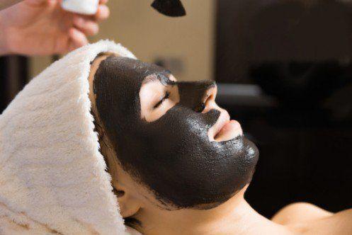 Les 25 meilleures id es de la cat gorie masque noir charbon sur pinterest masque de gueule d - Masque charbon maison ...