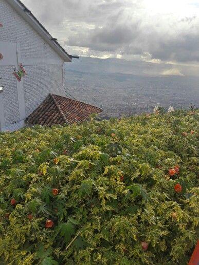 Bogotá - Monserrate, vista espectacular de Bogotá