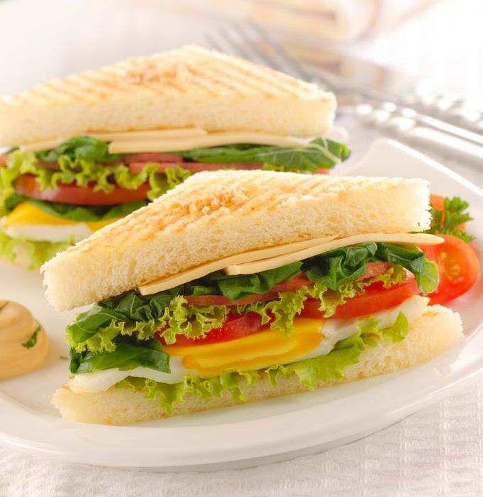 Yuk Bikin Sandwich untuk Sarapan Sehat Nan Lezat. Sarapan sangat penting dilakukan, agar tubuh selalu bersemangat selama sehari penuh dan sistem pencernaan pun selalu seha. Ya, sarapan adalah suatu aktivit