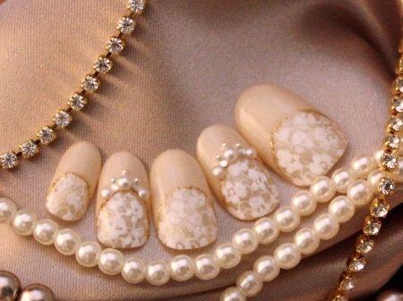 ブライダルネイルは前日予約がポイント!結婚式ネイルパーフェクトマニュアル♡ | BLESS【ブレス】|プレ花嫁の結婚式準備をもっと自由に、もっと楽しく