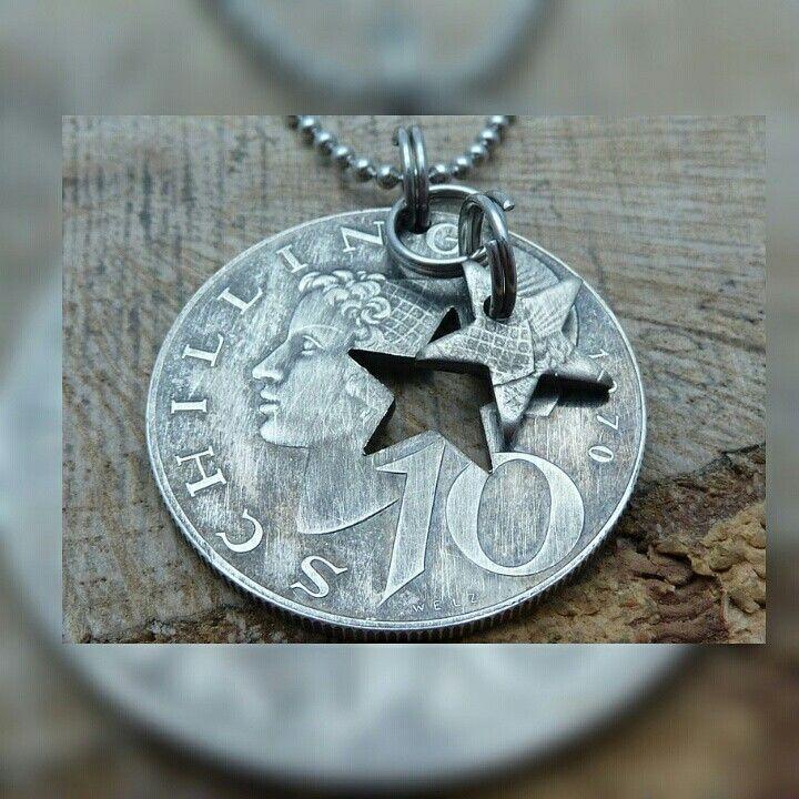 www.muenzenringe.de Ein einziges Medaillon aus Einer Schilling-Münze  #medallion #schmuckstück #schilling #austria #österreich #silver #wien #silvercoin #silber #kette #anhänger #charms #beads #collier #coinring #coin #handmadejewelry #handmade #upcycle #dawanda #star #stern #eyecatcher