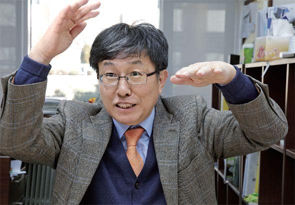 빗물 받아 쓰는 게 민주주의 [2014.02.17 제998호]       [정연순의 말하자면] '우리(雨里) 대통령' 한무영 서울대 공대 교수