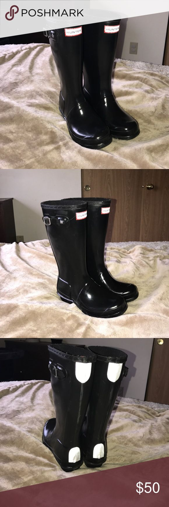 Big kid Hunter rain boots Big kid Hunter rain boots with adjustable calf and reflective detail. New without tags! Hunter Boots Shoes Rain & Snow Boots