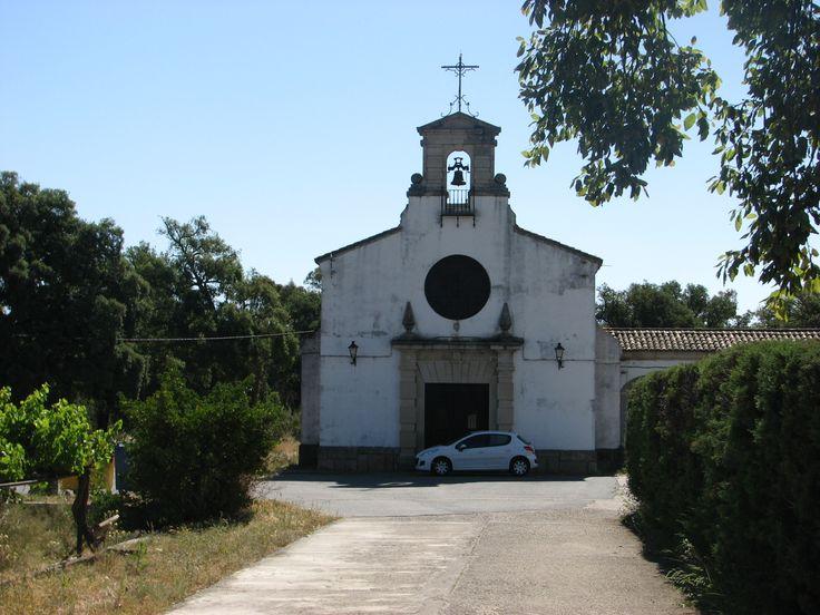 Iglesia del Poblado del Pantano de Gabriel y Galán.
