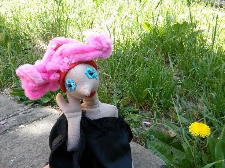 A Boszorkány is csak nő! Jön a tavasz, szép akar lenni (DIY haj - zsenília drót becsavarva)