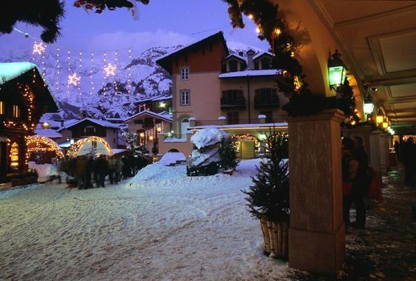 #Courmayeur, centro storico #Alps www.citiesitaly.com
