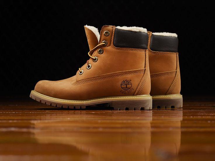 Women's Timberland 6 Inch Premium Boots 'Fleece' [TB0A12KU]