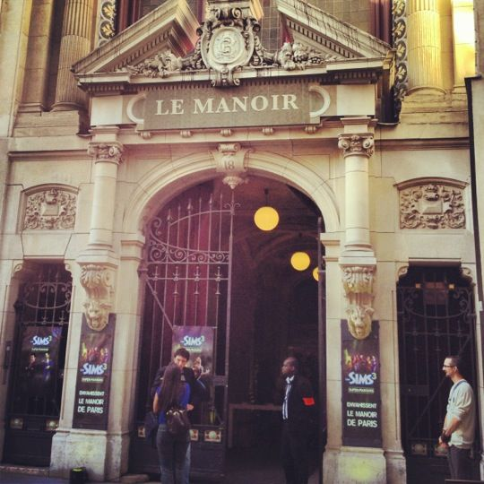Le Manoir de Paris : http://www.lemanoirdeparis.fr/