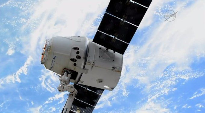 SpaceX's first re-flown Dragon capsule successfully returns to Earth - http://www.sogotechnews.com/2017/07/03/spacexs-first-re-flown-dragon-capsule-successfully-returns-to-earth/?utm_source=Pinterest&utm_medium=autoshare&utm_campaign=SOGO+Tech+News