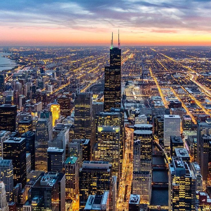 """#Chicago unfairly gets the moniker """"Second City."""" It has world-class restaurants art comedy and skyline vistas. Follow us and share with #ForbesTravelGuide for a chance to be featured! Shot by @marc_nouss"""
