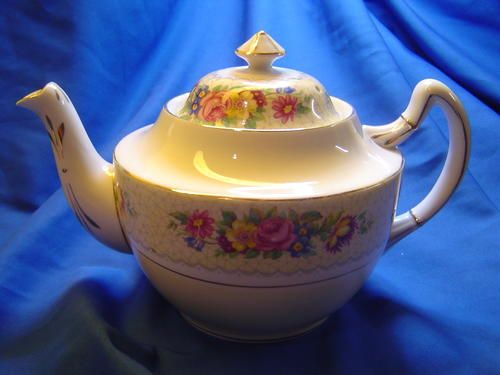 Buy Royal Standard Tea Potfor R750.00