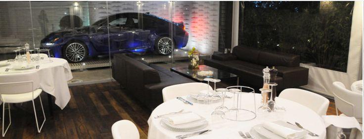 Via dell'Arte, centrum Rzymu. W menu ryby i owoce morza. Świeże, najwyższej jakości, traktowane z należytym szacunkiem przez Szefa Kuchni Antonio Madonna. Ponieważ produkt gra tutaj główną rolę, menu restauracji Aqua by Lexus może się zmieniać nawet codziennie. http://exumag.com/aqua-by-lexus-zapraszamy-do-stolu/