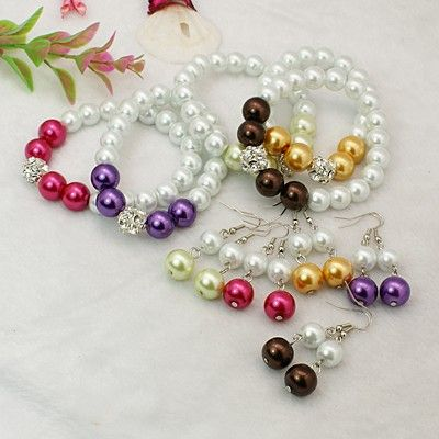Fashion Glass Pearl Jewelry Sets: Earrings and Stretchy Bracelets.