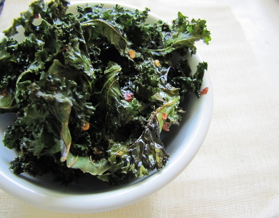 Spicy or salty kale chips recipes