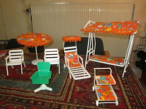 Marktplaats.nl - Jaren 70 tuinmeubeltjes voor een Barbie. - Speelgoed   Poppenhuizen
