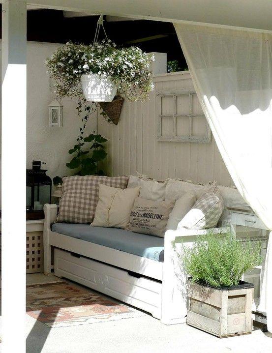 Porch.  Corner trundle bed.