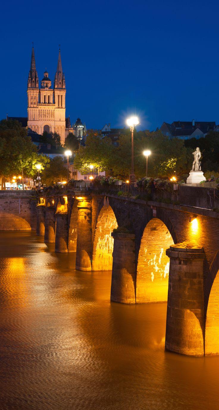 Angers et sa Cathédrale Saint-Maurice