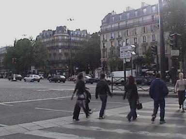 Dans la rue:  Preparation pour le voyage!  Vocabulaire/lire un plan, etc.