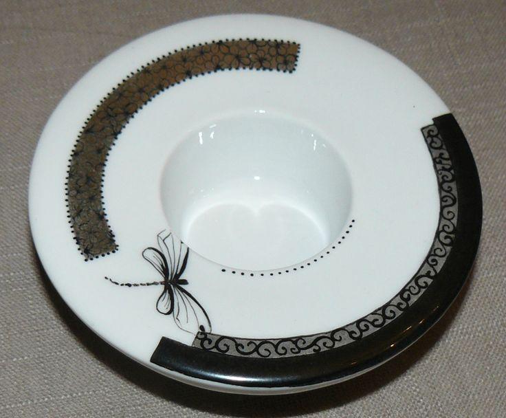 243 best images about peinture sur porcelaine on pinterest. Black Bedroom Furniture Sets. Home Design Ideas