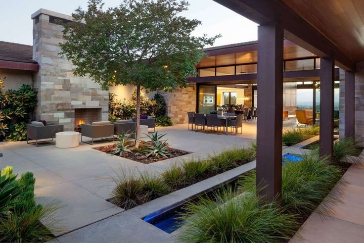 House in San Diego by Bruce Peeling Architect