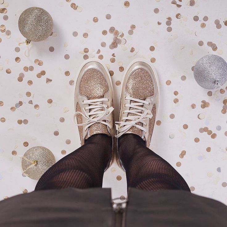The Christmas parties have started just make sure you have the gold glitter at the ready!  We couldn't resist the 'coney low top' sneakers from the luxury trainer brand Rose Rankin  ....can you?!!! #christmaspartyoutfit #christmasglitterball #goldsneakers #glittershoes #happyclothes #roosbeach #fblogger #fomo #thursdayfunday