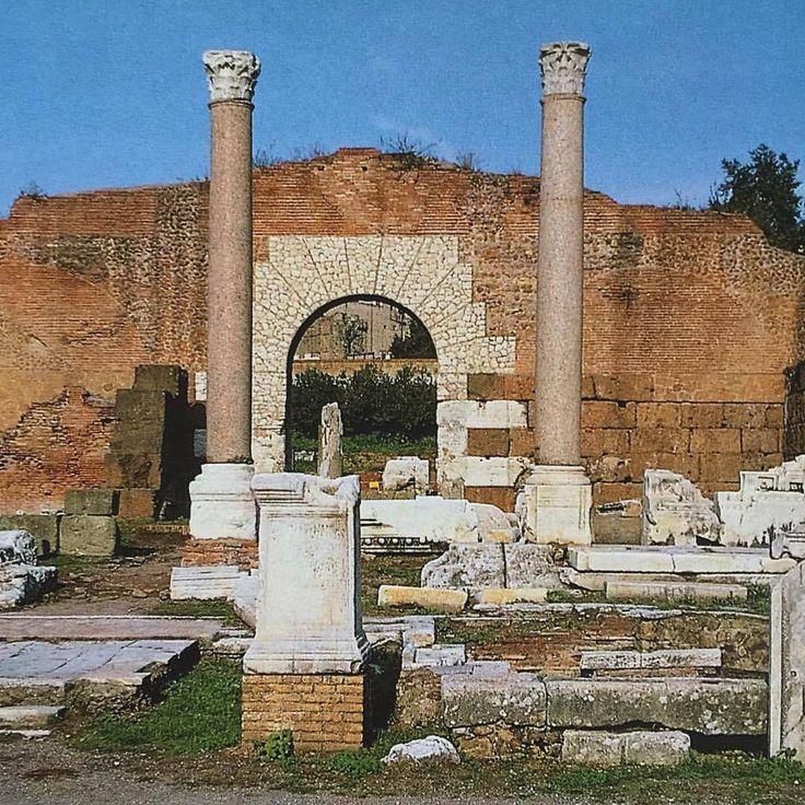 📷 The remains of the Basilica Aemilia, Rome, 🇮🇹 #basilicaaemilia #remains #ancientruins #ruinsofrome #ancientrome #romanforum #romanempire #forumromanum #eternalcity #ancientworld #ancienthistory...