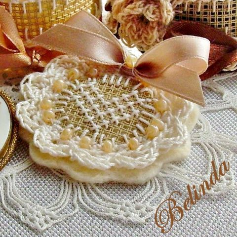 Miss Vintage - embroidered, crochet brooch, Be..., meska.hu, vintage