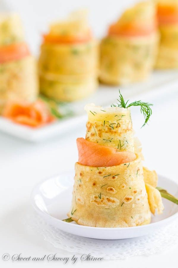 CREPES DE ENELDO CON SALMON AHUMADO (dill crepes with smoked salmon) #CocktailParty #AperitivosConEstilo
