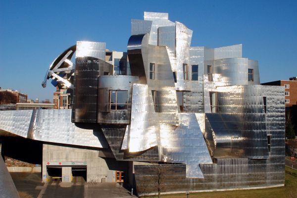 Weisman Art Museum - The museum is located on the University of Minnesota campus and has two different faces: a brick façade on one side and angular stainless steel sheeting on the other side.