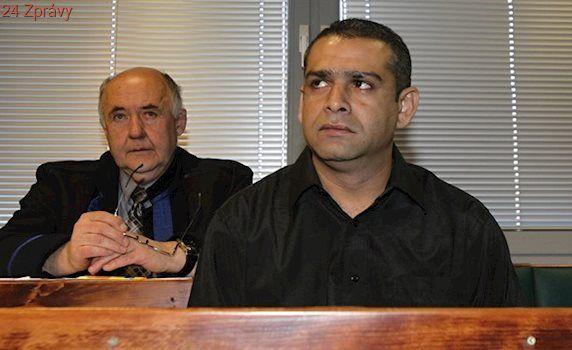 Vrah je opět u soudu. Když se vyhýbal vězení, přepadl podle žalobce ženu