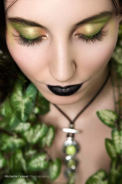 Black lips - Green #eyeshadow - Make-up