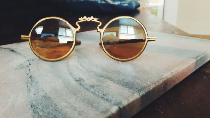 VINTAGE HIPPY SUNGLASSES... RULED BY WOLVES