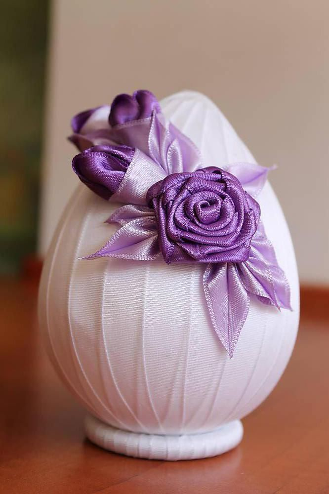 Dekorácie - Biele vajíčko s fialovou ružičkou - 5269772_