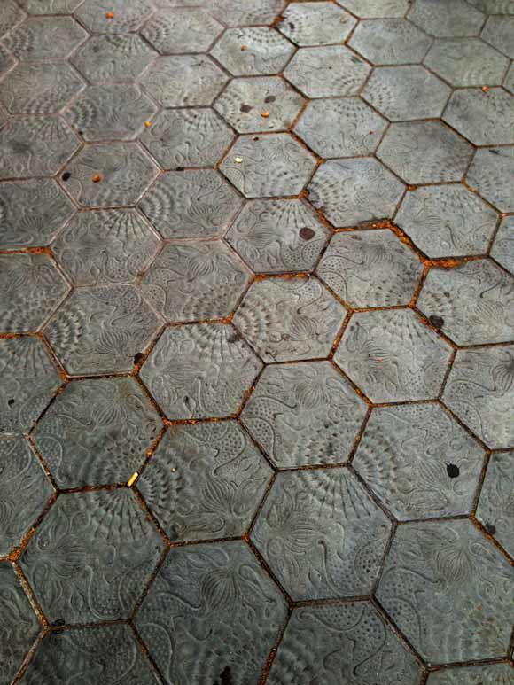 Hexagons-in-spain-inspirational hexagon tiles.
