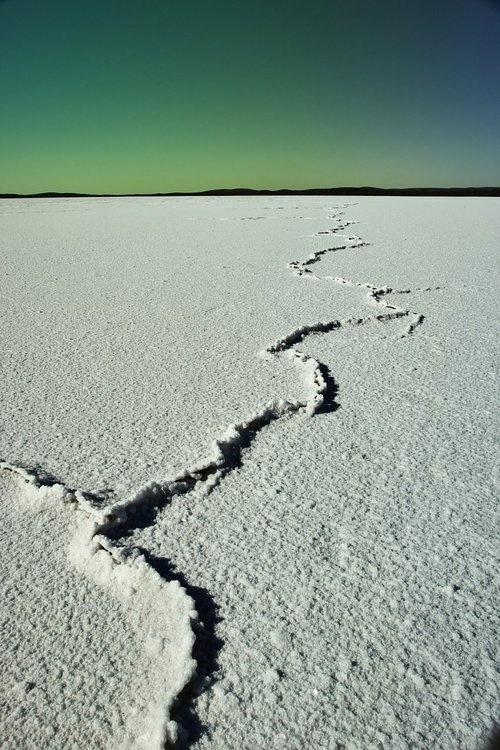 Lake Eyre, Outback South Australia www.kanootravel.co.uk