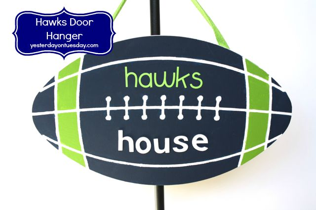 Seahawks Door Hangar from http://yesterdayontuesday.com #seahawks #seahawkscrafts #seahawksdecor