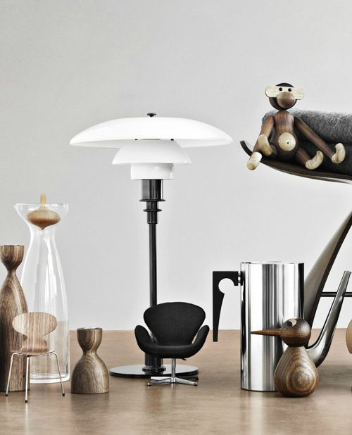 PK 3/2 table lamp by Poul Henningsen from Louis Poulsen, Monkey by Kaj Boyesen from Rosendahl, Bird by Kristian Vedel from Architectmade and Cylinda Series by Arne Jacobsen from Stelton | Interior Photography by Heidi Lerkenfeldt