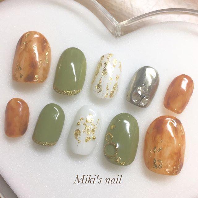 ネイルの投稿ばっかすみません😱 . . 木村みきのムキムキネイル💪(笑) . . . 本人の希望で一本だけミラー🙄(笑) . . 【 #kanane_nails 検索🔍】 #mirrornail #mırrornails #silvernail #metalic #metalicnails #beauty #selfnail #gelnail #nail #nailist #beautystudent #instabeauty #instagood #instalike #instafollow #followme #ネイル #セルフネイル #ミラーネイル #メタリックネイル #流行りネイル #美容 #美容学生 #成人式ネイル #振袖 #べっ甲ネイル