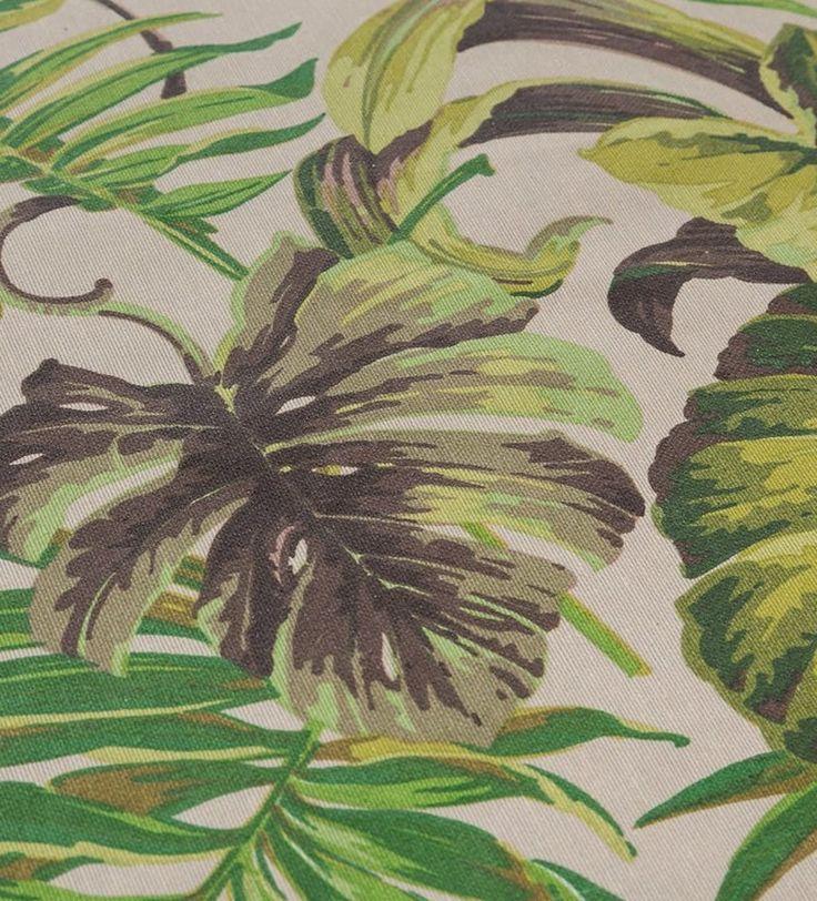 LA PLANTA DE MODA  Se llama monstera y esta de moda. El estampado de esta planta tropical crece por toda la casa. ¡También en los manteles! Será una nota de refrescante que, además, actualizará tu decoración. Manteles antimanchas | Ventas en Westwing