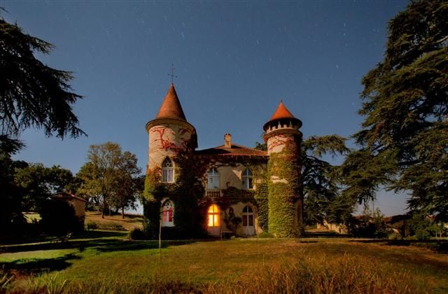 Holiday Chateau with in Auch, - walking, balcony/terrace, internet access, telephone, rural retreat, DVD