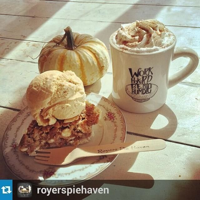 Royers Pie Haven in Austin, TX--With Thanksgiving right around the corner, we're beginning to dream of all the delicious Texas treats we're going to share with our family & friends. This delicious slice of pie (featuring a yummy scoop of @AmysIceCreams) comes from @RoyersPieHaven in @Vi