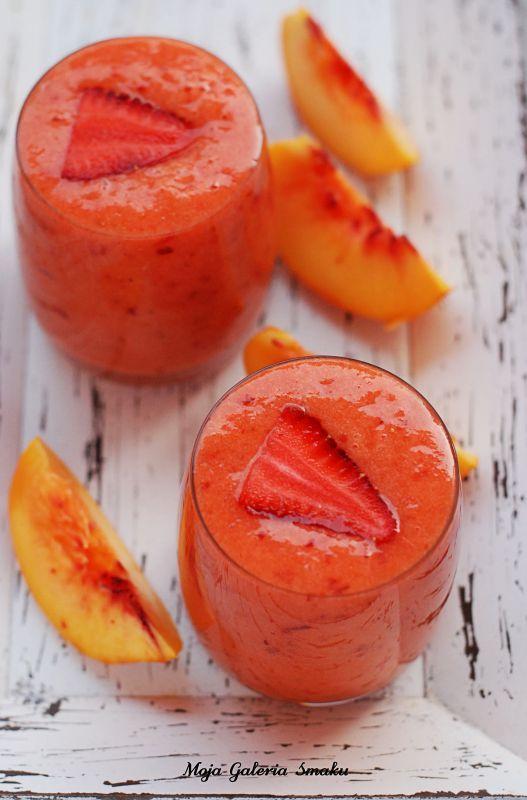 Koktajl truskawka-brzoskwinia-pomarańcza