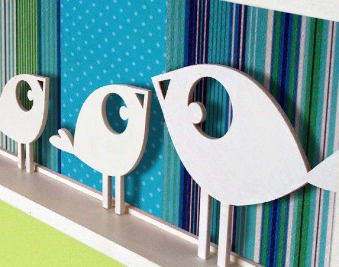 Familia de pajaritos es un cuadrito 3D, la mam pajarito y sus 3 pichoncitos hechos en madera pintados a mano, con un fondo en papeles estampados y coloridos, combinalos como ms te gusten. Tenemos muchas opciones para ofrecerte. br / Medidas: 39x15 cmbr / Pods decorar las paredes de su habitacin y darle un toque de felicidad a todos sus das!!