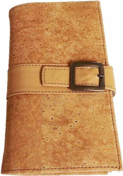A ladies wallet made from cork-skin.