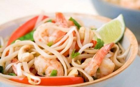 Light and healthy prawns with all your favourite Thai flavours.