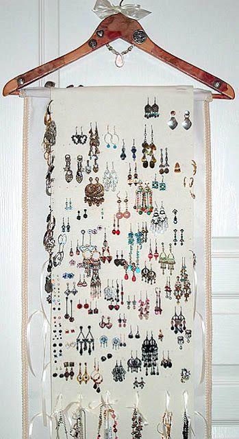 Jewelry organizer idea
