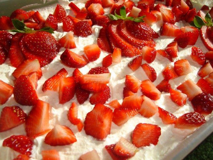 """Εκμέκ κανταΐφι με παγωτό φράουλα! Από τον Βαγγέλη Μπακάλη σεφ του """"Μπακλαβά Κολιονάσιος"""""""